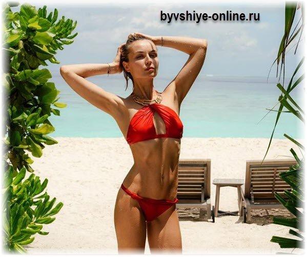 Полина Гагарина в купальнике на море (фото)